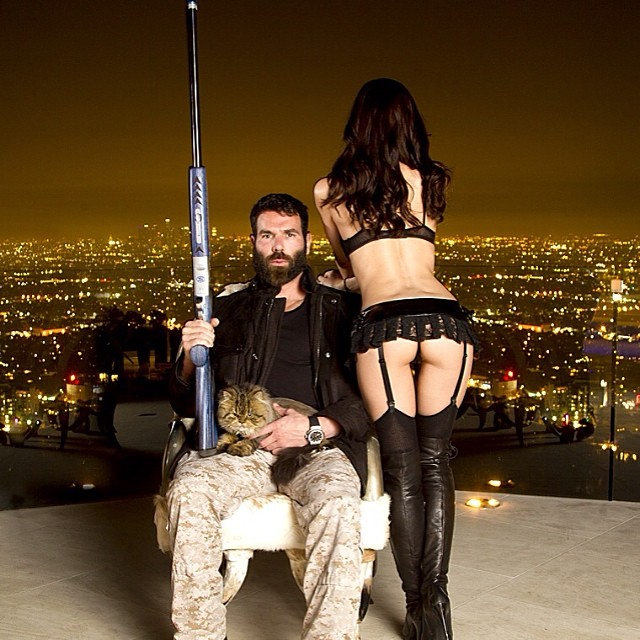 Dan Bilzerian, le joueur de poker qui claque son argent dans le luxe et les femmes