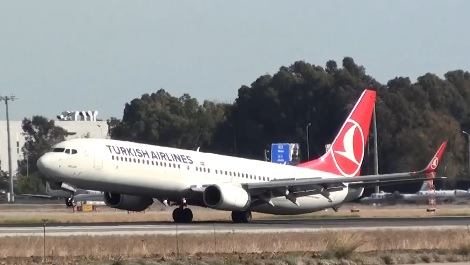 Un avion de Turkish Airlines manque de percuter la piste avec sa queue à l'atterrissage