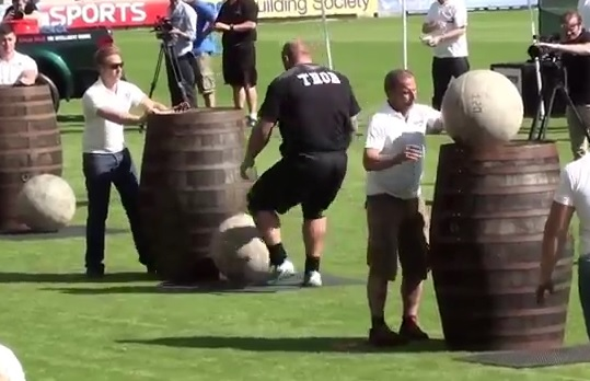 La Montagne de Game of Thrones remporte l'épreuve des pierres à l'Europe's Strongest Man 2014