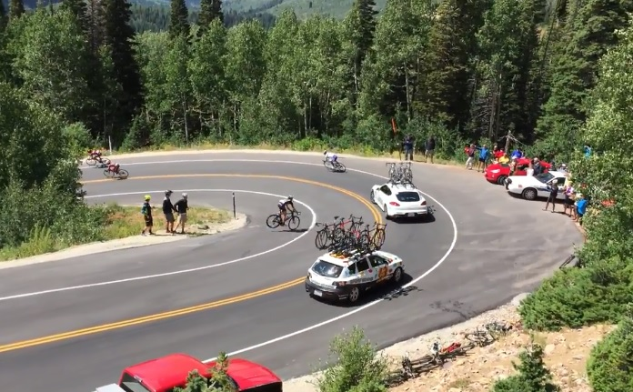 Le violent accident du cycliste Matthew Brammeier contre une voiture (Tour de l'Utah)