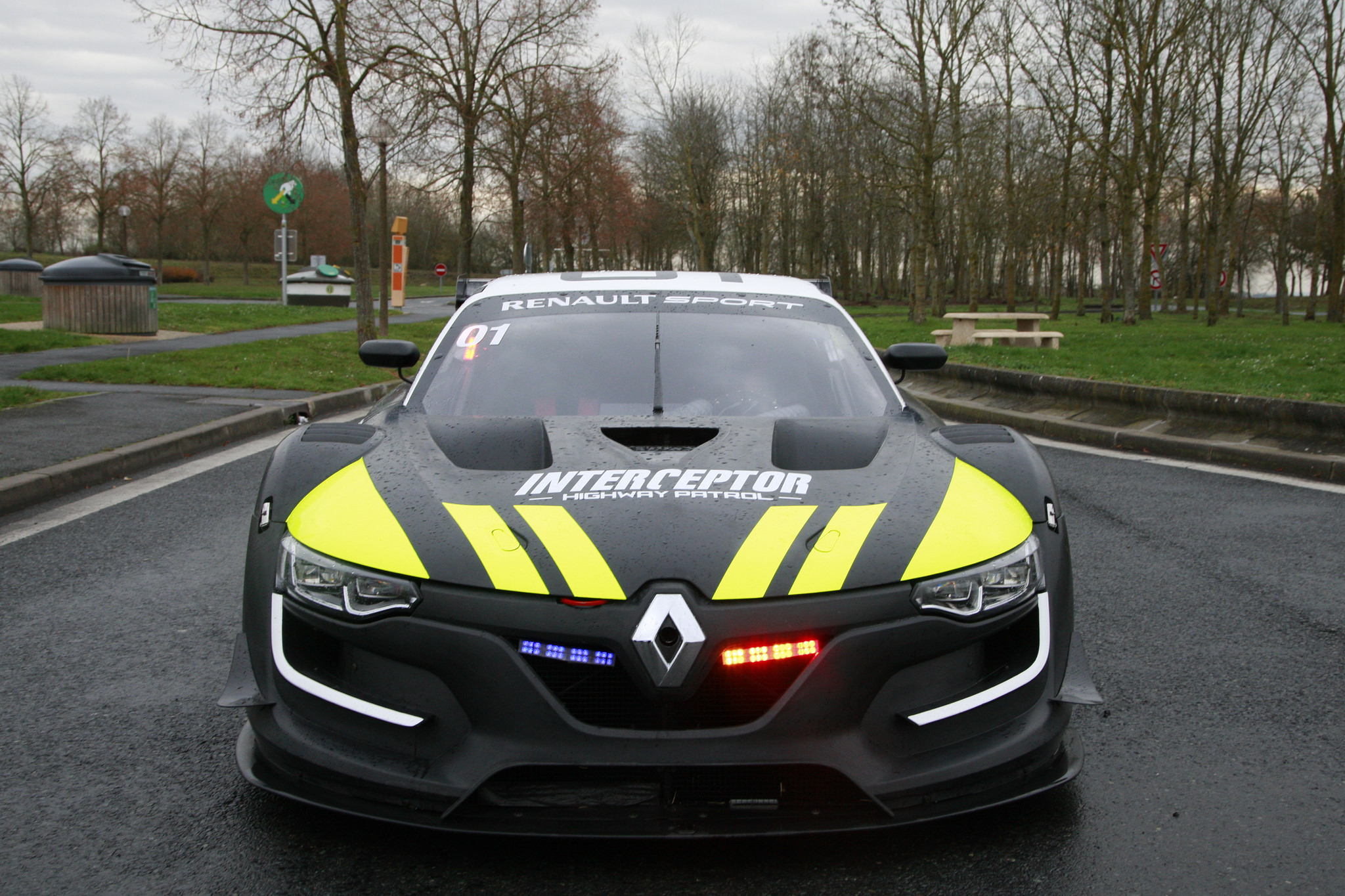 la gendarmerie va t elle rouler avec une renault sport r s 01. Black Bedroom Furniture Sets. Home Design Ideas