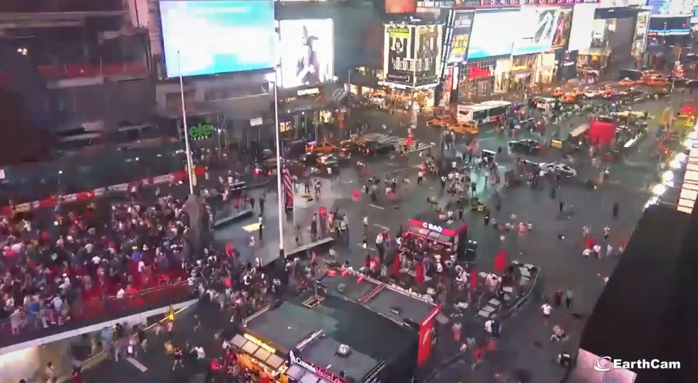 Une simple moto provoque un mouvement de panique à Times Square (New York)